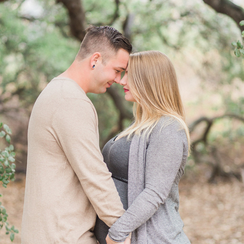 A Rustic Wilderness Maternity Session at Eaton Canyon Pasadena by natural light photographer Madison Ellis Photography