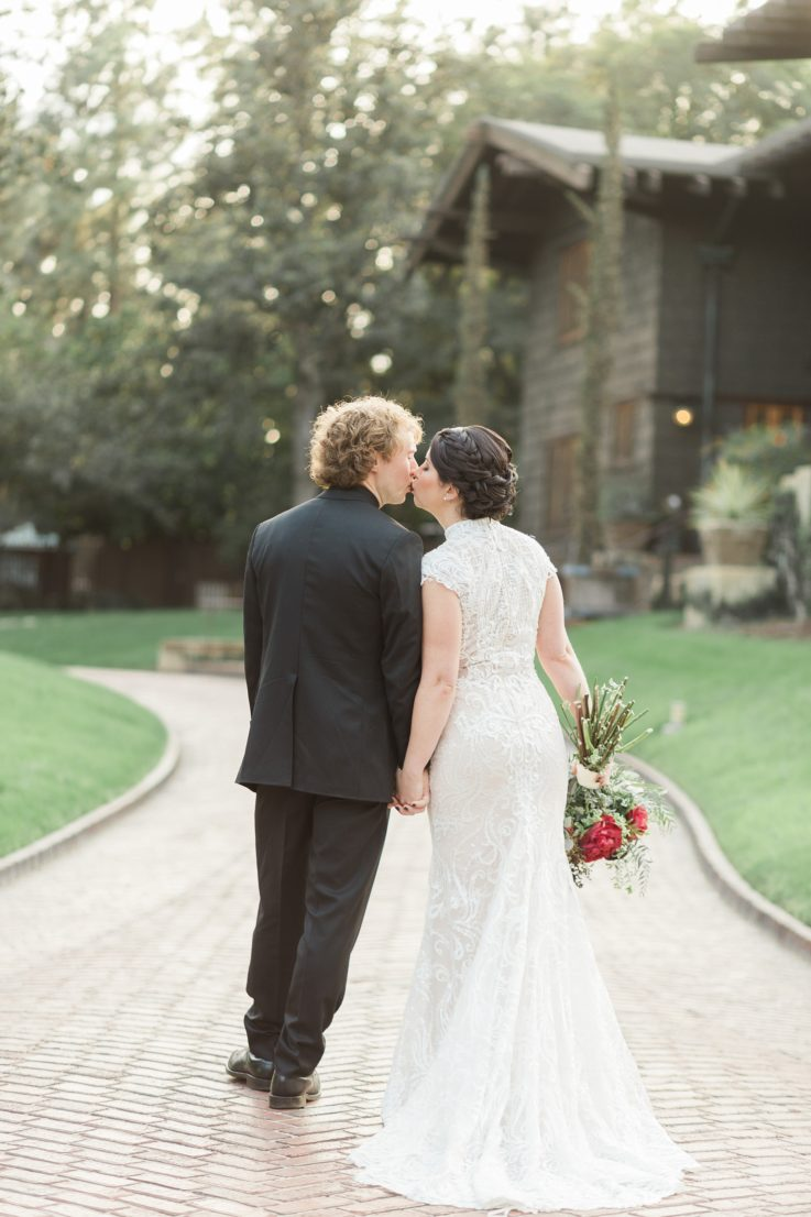 Light and Airy Winter Wedding at Lost River LA Gamble House By Wedding Photographer Madison Ellis (41)