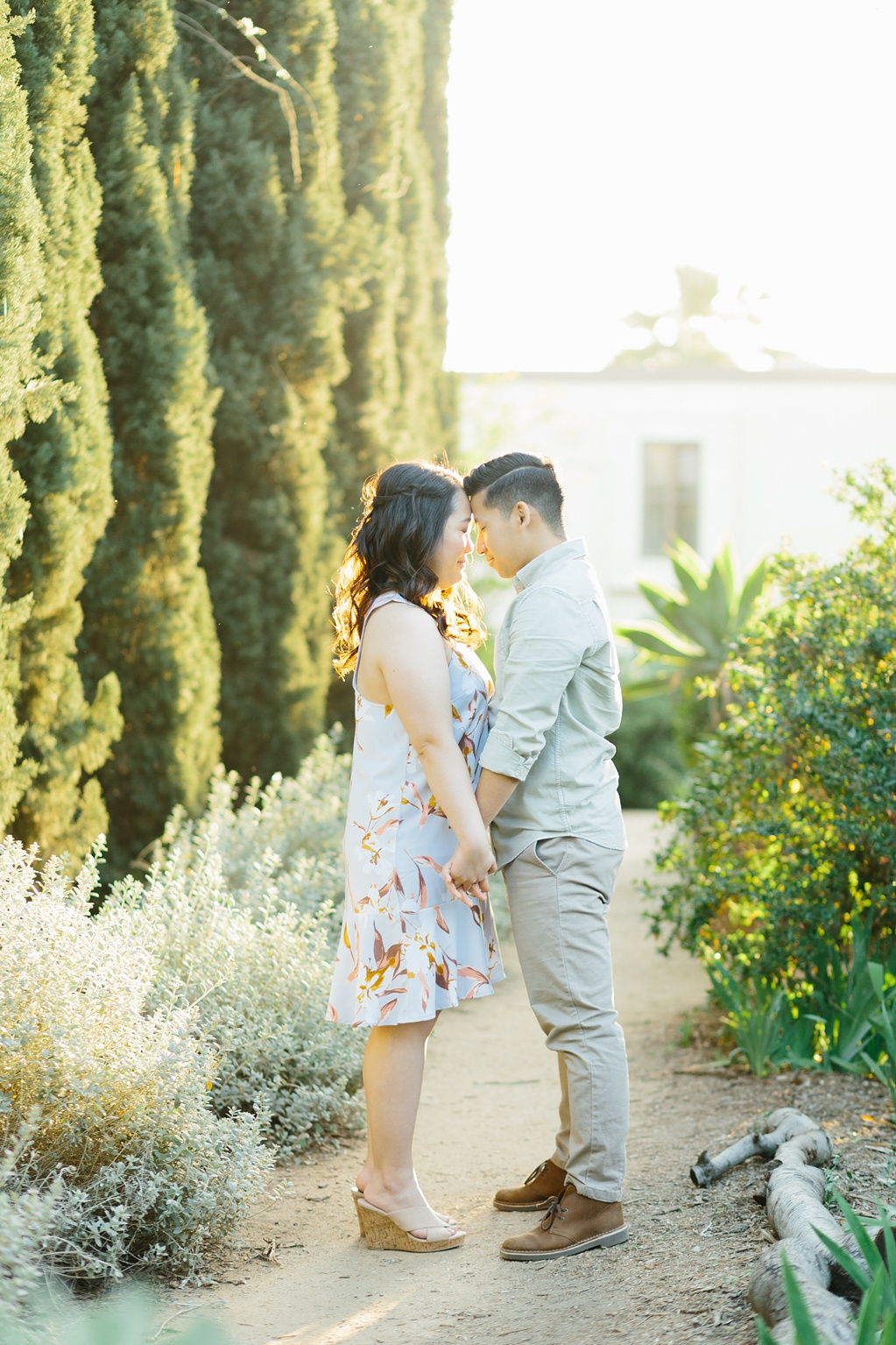 Organic floral inspired spring engagement session at Arlington Gardens Pasadena by wedding photographer Madison Ellis. (37)