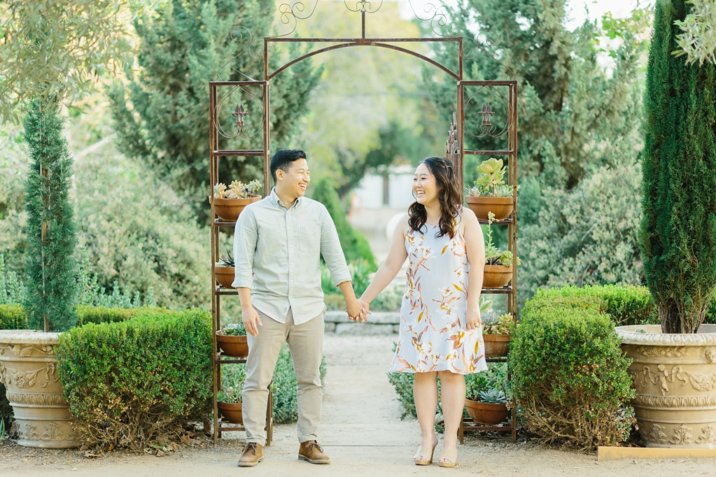 Organic floral inspired spring engagement session at Arlington Gardens Pasadena by wedding photographer Madison Ellis. (27)