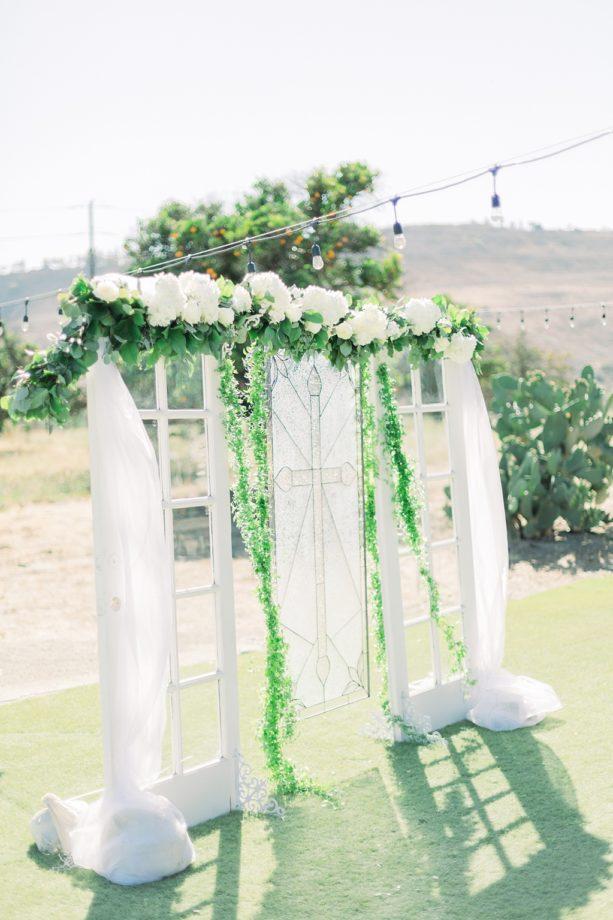An Organic Floral Inspired Summer Wedding in the open fields of Hamilton Oaks, San Juan Capistrano by Wedding Photographer Madison Ellis (26)