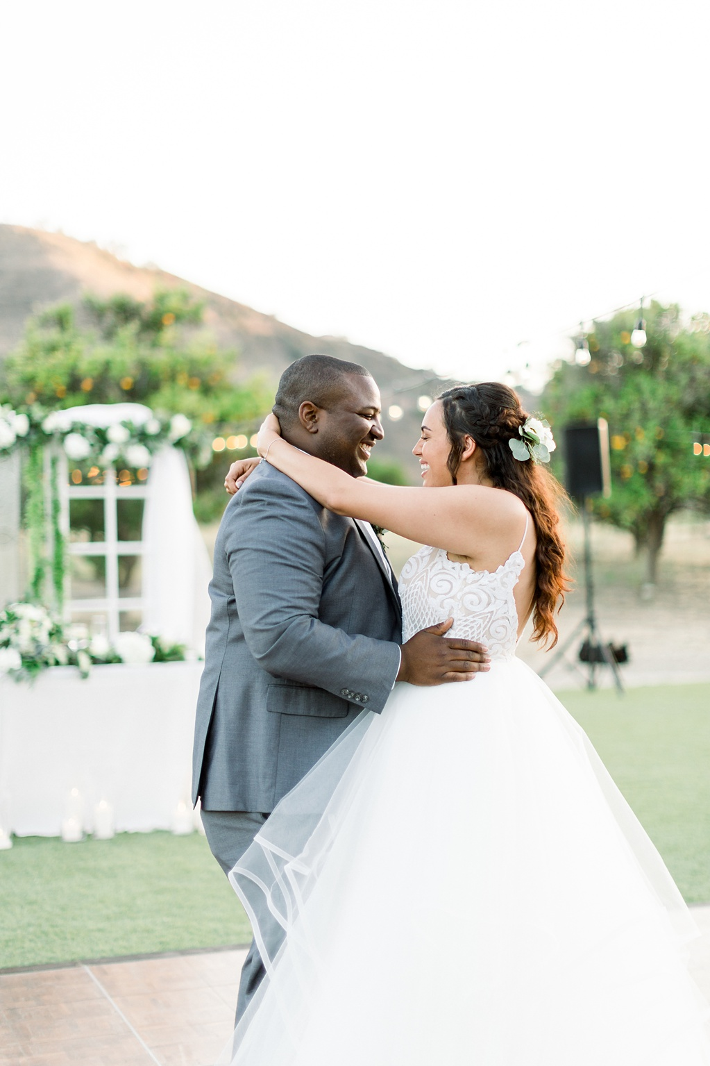 An Organic Floral Inspired Summer Wedding in the open fields of Hamilton Oaks, San Juan Capistrano by Wedding Photographer Madison Ellis (19)