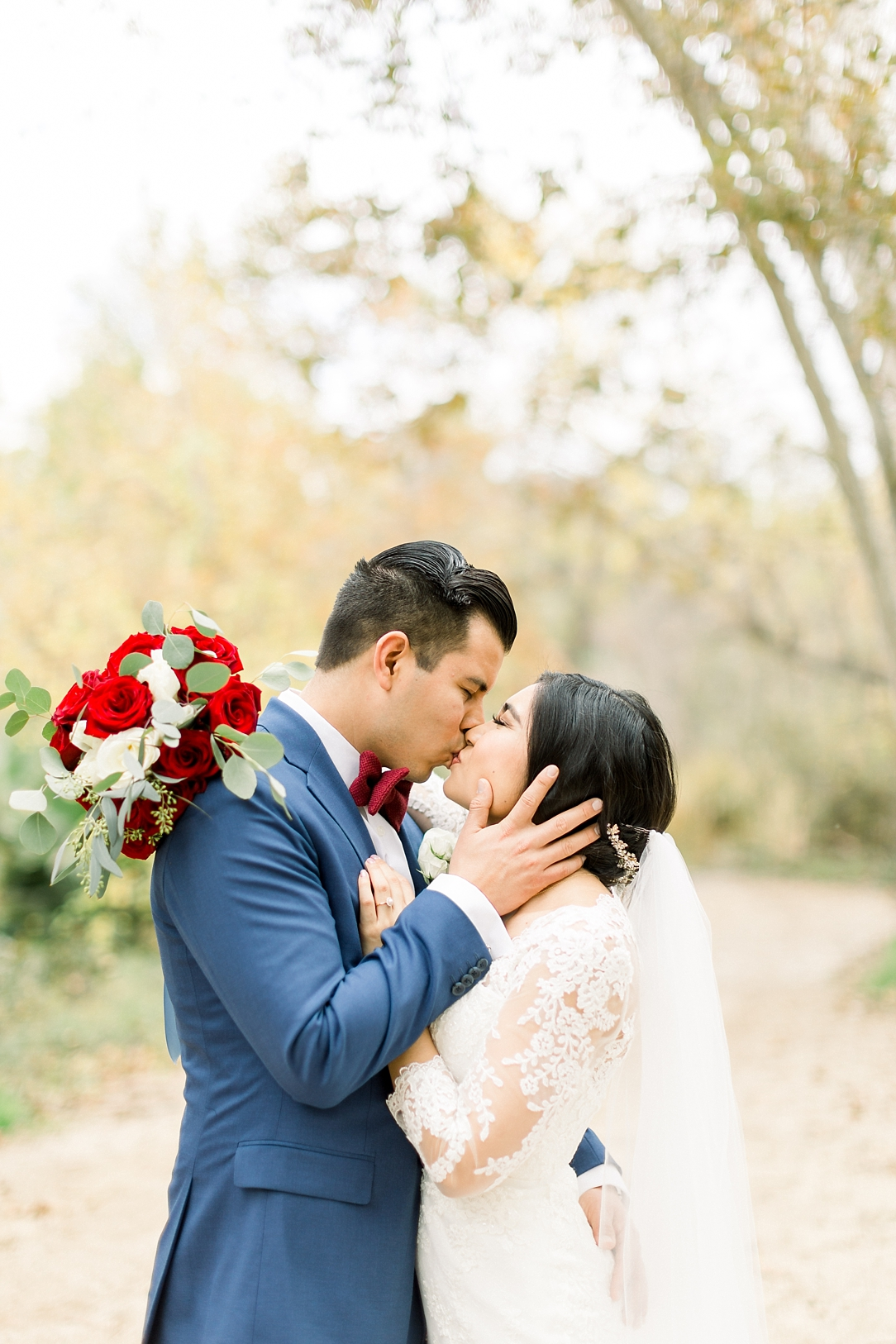 A Vintage Inspired Wedding At Santiago Oaks Regional Park And The Vintage Rose By Natural Light Photographer Madison Ellis Photography. (51)