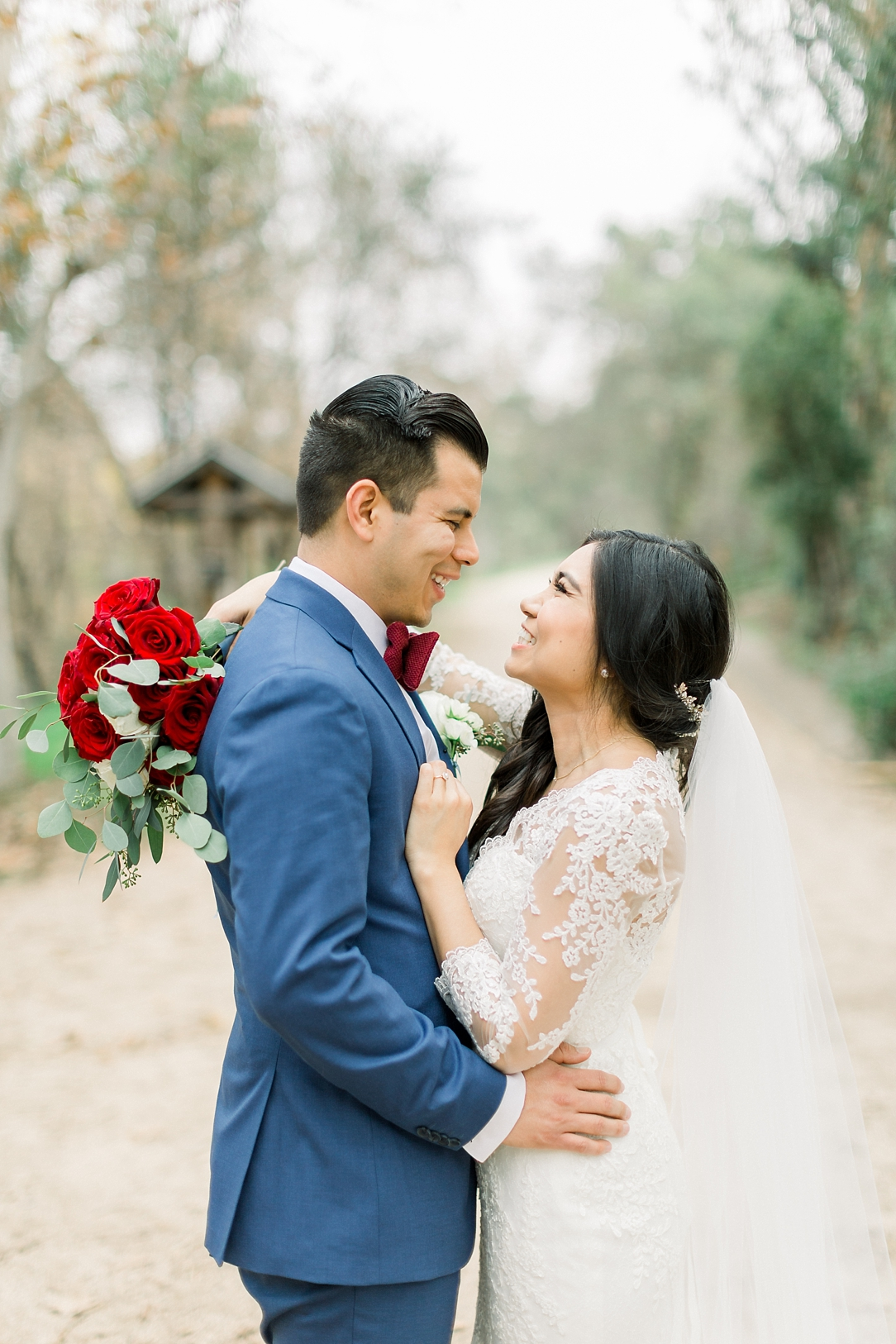 A Vintage Inspired Wedding At Santiago Oaks Regional Park And The Vintage Rose By Natural Light Photographer Madison Ellis Photography. (49)