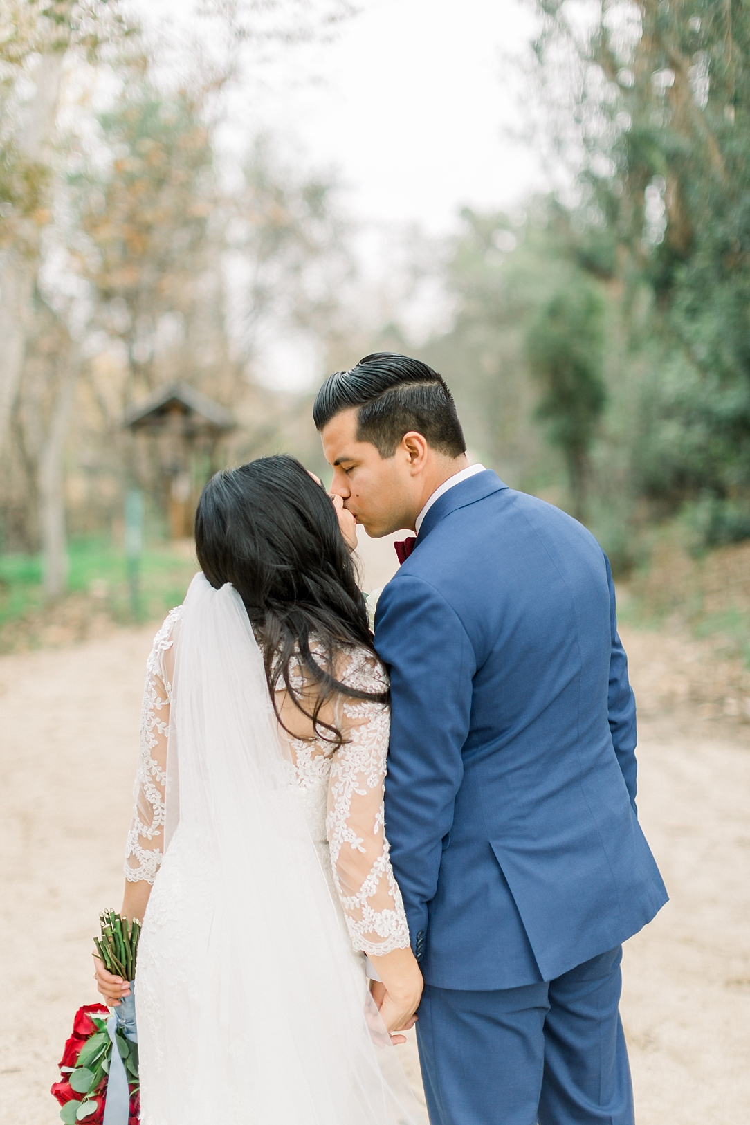 A Vintage Inspired Wedding At Santiago Oaks Regional Park And The Vintage Rose By Natural Light Photographer Madison Ellis Photography. (47)