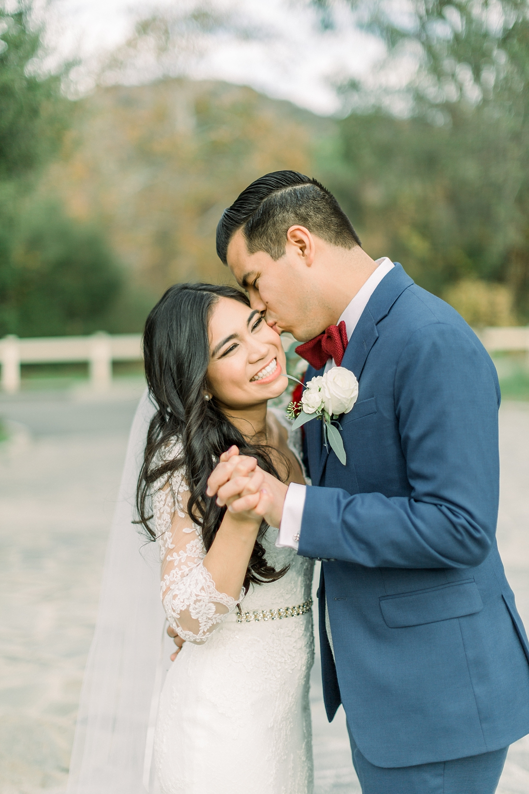 A Vintage Inspired Wedding At Santiago Oaks Regional Park And The Vintage Rose By Natural Light Photographer Madison Ellis Photography. (46)