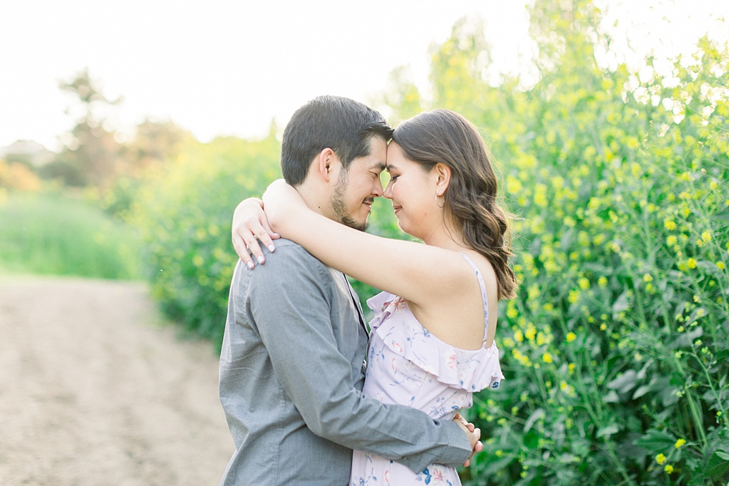 Spring wildflowers engagement session at Bonelli Park by Madison Ellis Photography (5)