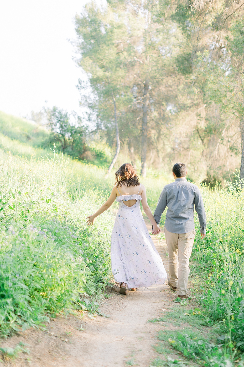 Spring wildflowers engagement session at Bonelli Park by Madison Ellis Photography (4)