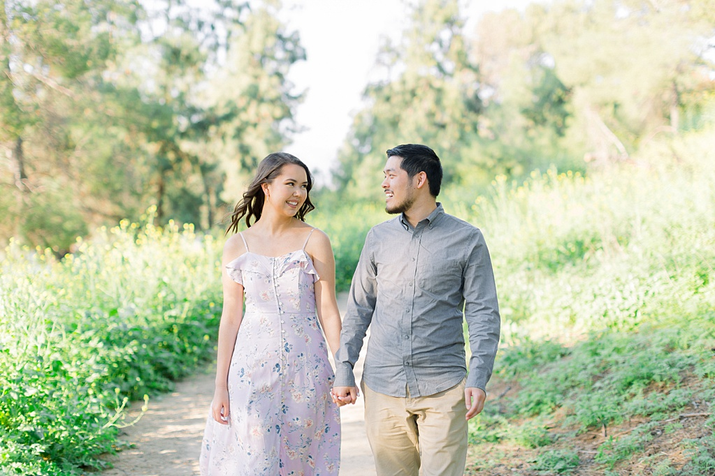 Spring wildflowers engagement session at Bonelli Park by Madison Ellis Photography (1)