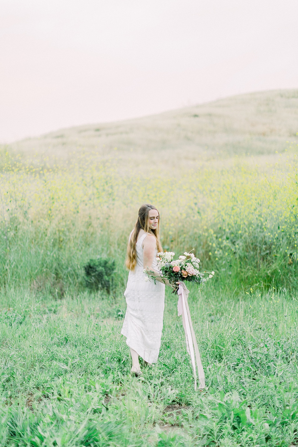 Wildflower inspired spring shoot by Madison Ellis Photography and Olive and Blooms (6)