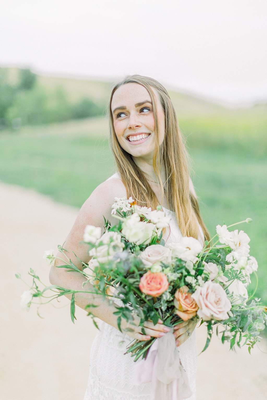 Wildflower inspired spring shoot by Madison Ellis Photography and Olive and Blooms (5)