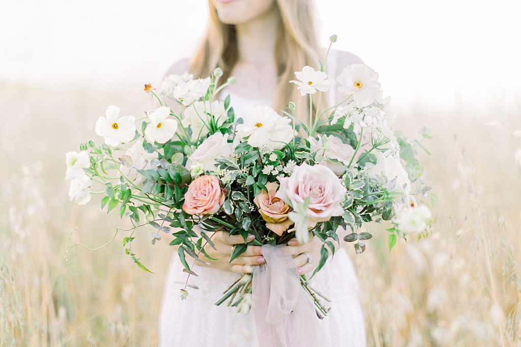 Wildflower inspired spring shoot by Madison Ellis Photography and Olive and Blooms (4)