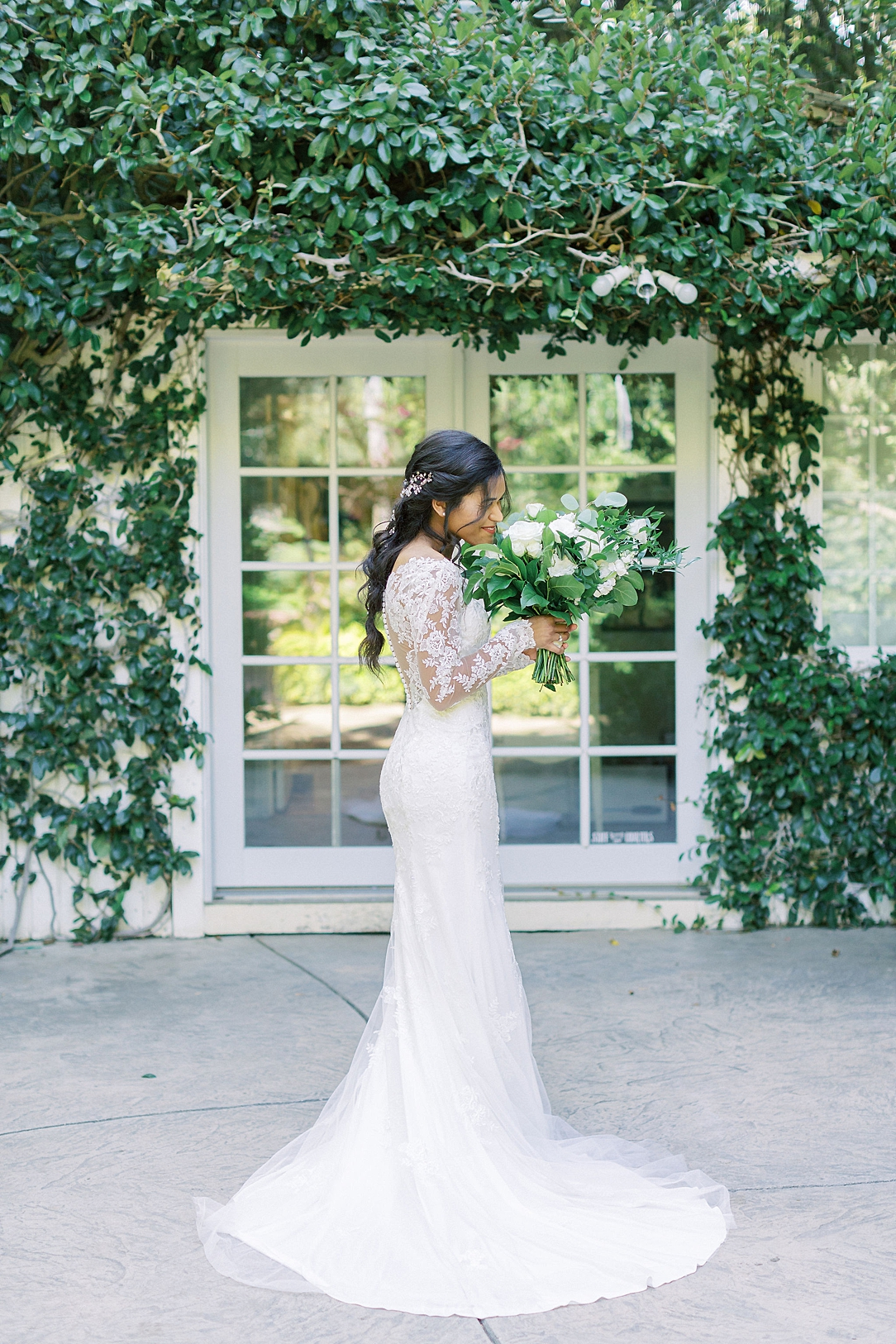 An Organic Floral Inspired Summer Wedding in the gardens of Hartley Botanica Somis by Wedding Photographer Madison Ellis (96)