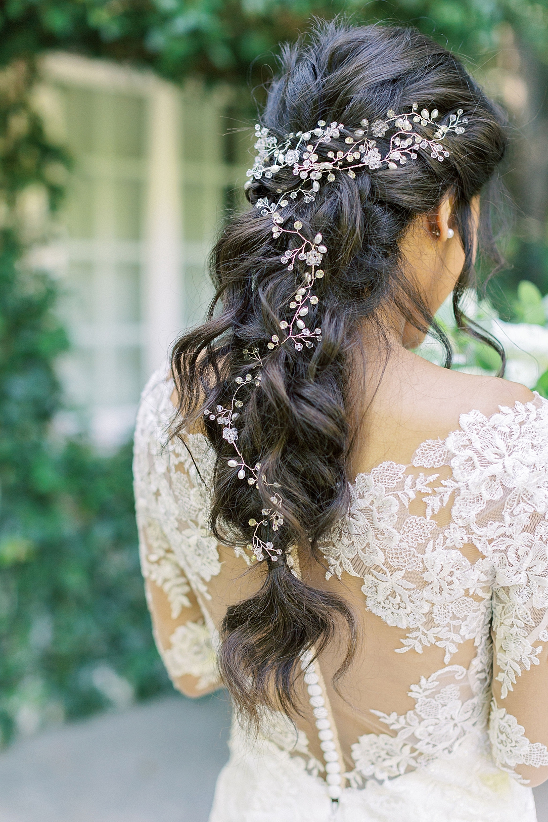 An Organic Floral Inspired Summer Wedding in the gardens of Hartley Botanica Somis by Wedding Photographer Madison Ellis (95)