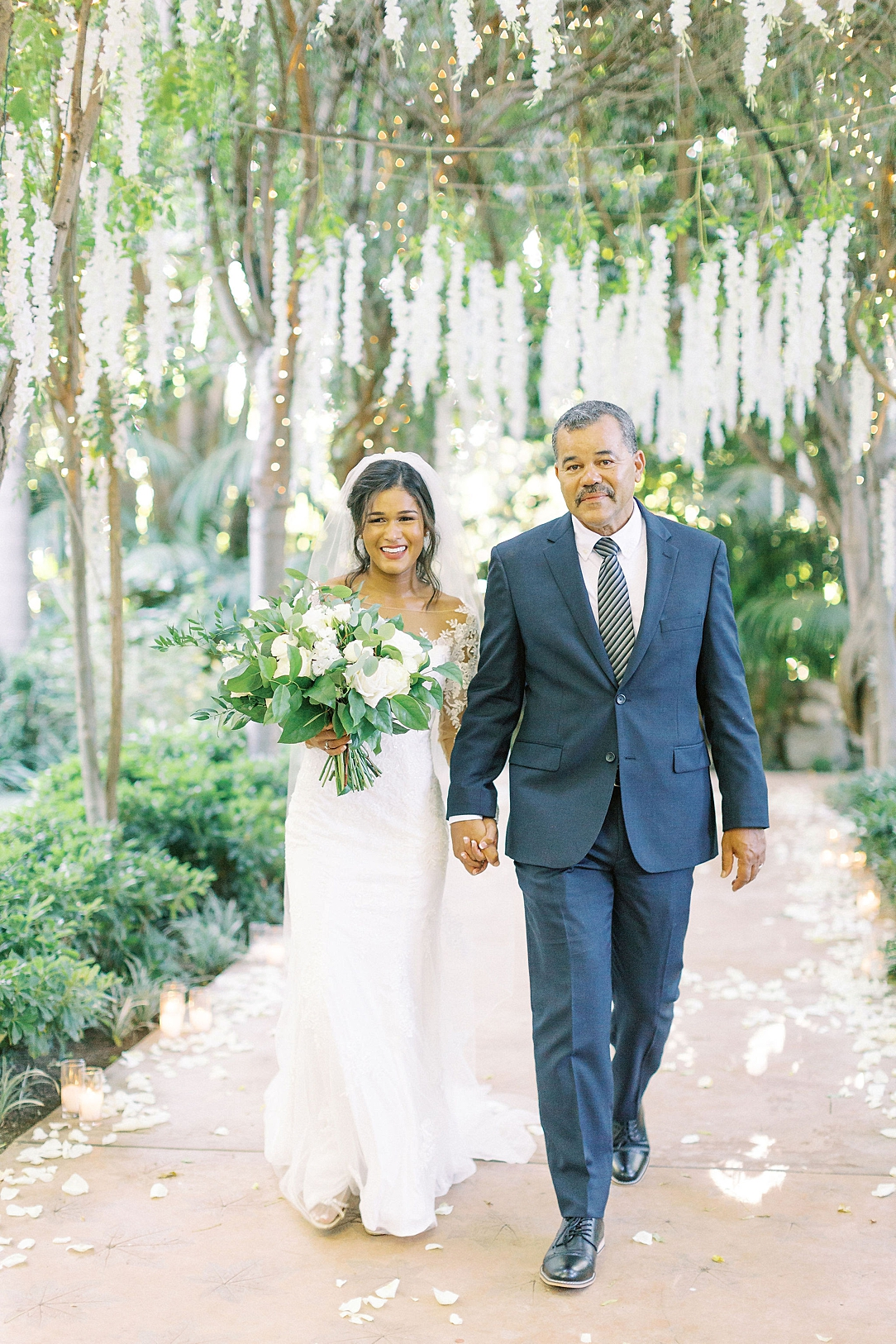 An Organic Floral Inspired Summer Wedding in the gardens of Hartley Botanica Somis by Wedding Photographer Madison Ellis (67)
