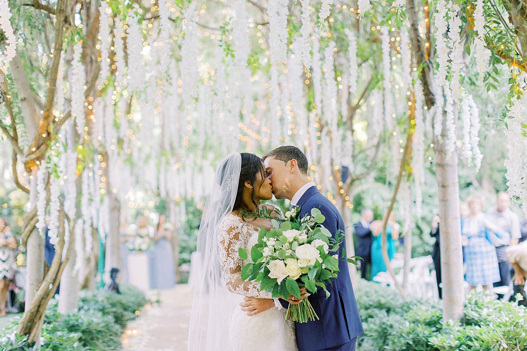 An Organic Floral Inspired Summer Wedding in the gardens of Hartley Botanica Somis by Wedding Photographer Madison Ellis (57)