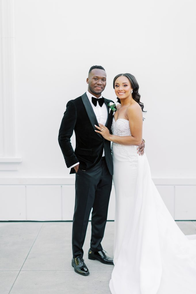 A modern luxurious African inspired fall wedding, in the Richard Nixon Library garden, Yorba Linda by wedding photographer Madison Ellis (93)