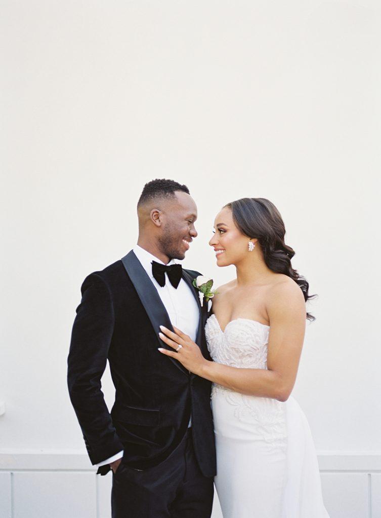 A modern luxurious African inspired fall wedding, in the Richard Nixon Library garden, Yorba Linda by wedding photographer Madison Ellis (2)