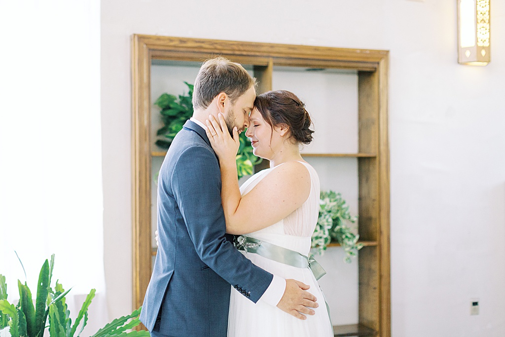 Plant inspired wedding in Eagle Rock at the Eagle Rock Center for the Arts Los Angeles (33)