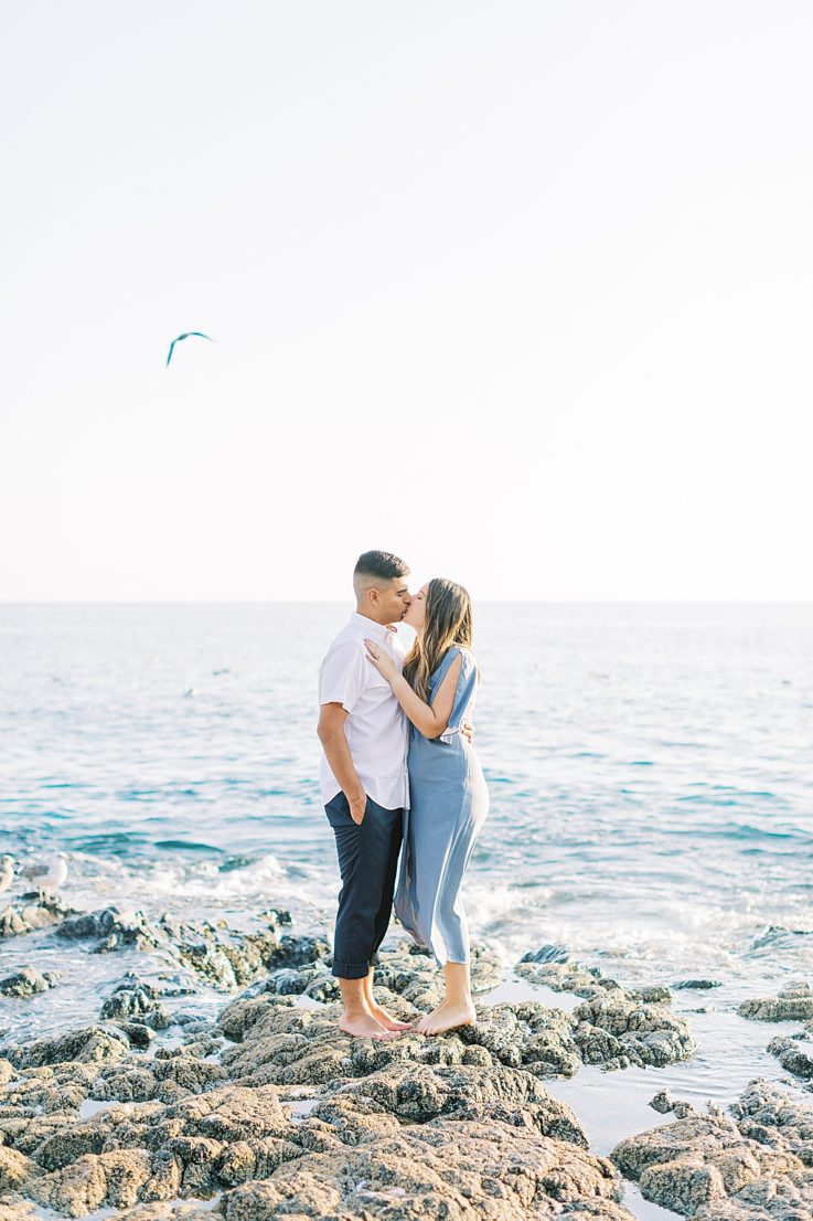 Fresh light and airy summer engagement photos in Laguna Beach by Madison Ellis (21)